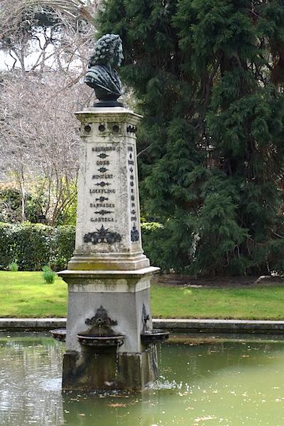 Linnébyst i Botaniska trädgården i Madrid
